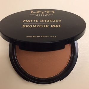 NYX matte bronzer deep tan (only swatched)